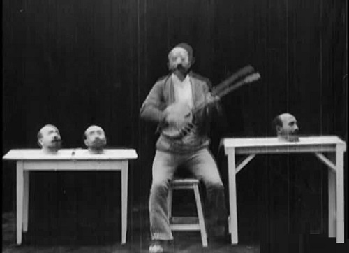 Un homme de tetes, 1898
