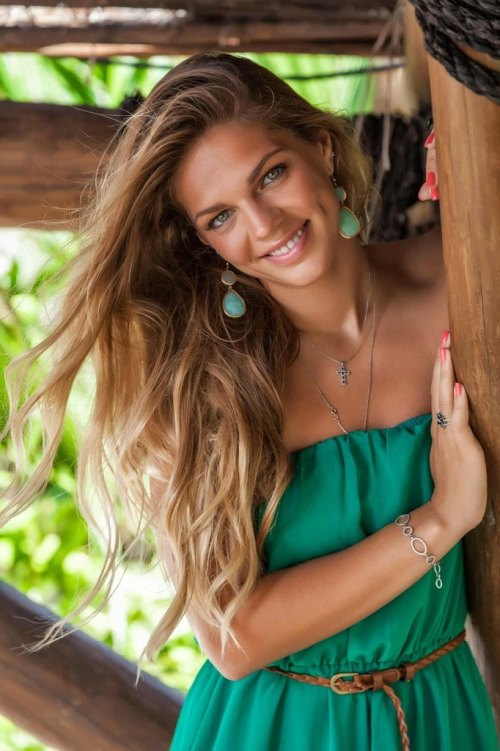 Beautiful Russian swimmer Yuliya Yefimova