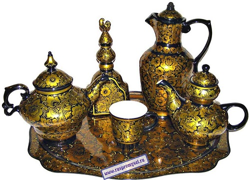 Khokhloma pottery. A single color design elements of the set with Khokhloma decor 'Royal Kudrina'