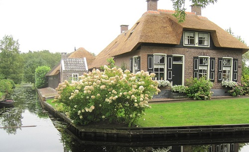 Village in Holland with no Roads