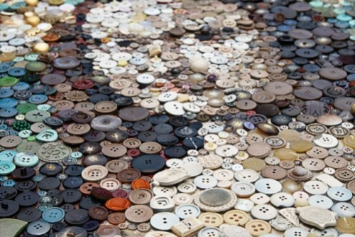 November 16 is Button Day. Mona Lisa. Artwork of buttons