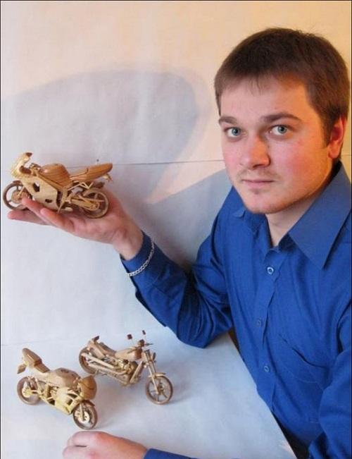 Ukrainian craftsman Vyacheslav Voronovich