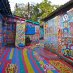 """An old artist did not expect such recognition, and was very happy. Now his large colorful """"picture"""" is one of the main attractions of Taichung."""