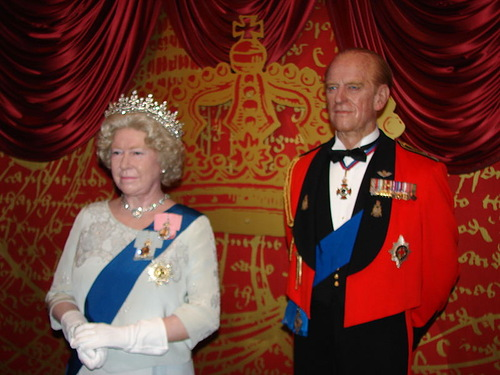 Elizabeth II Wax Statue in Madame Tussauds London