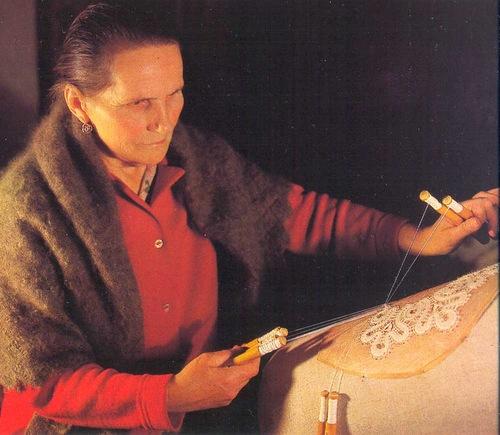 Oldest Vologda lace maker Nina Vasilyeva. lace, Vologda