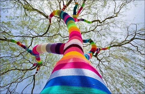 The art of knitted graffiti