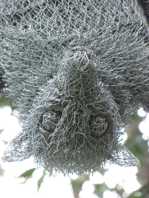 Wire sculptures by Ivan Lovatt