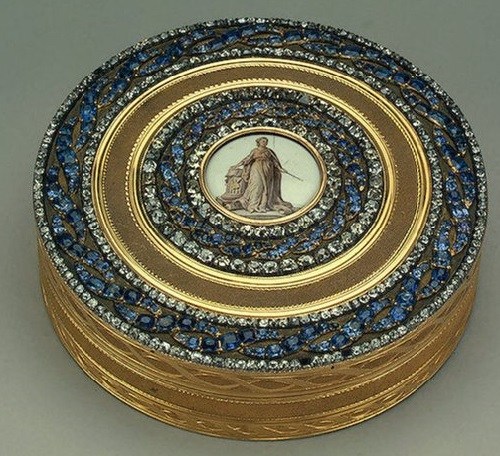 decorated with sapphires snuffbox of Empress Catherine II
