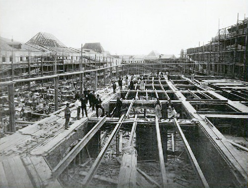 Construction of new upper rows. Erection of medium outbuilding corps