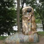 Kiss by G.Klimt. bronze, artists V.Ananev, K.Taratynov