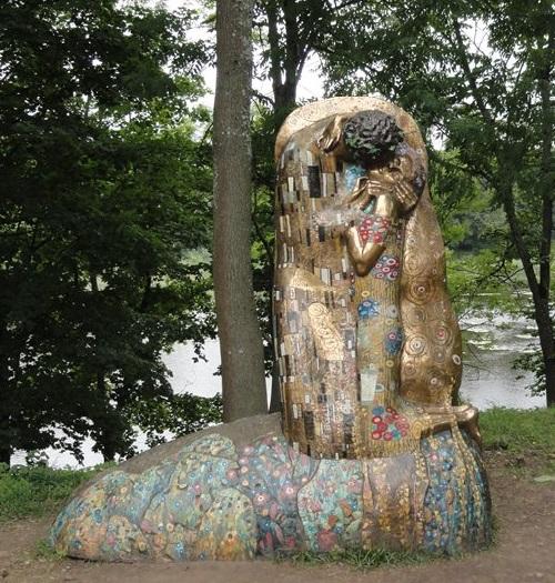 Kiss. G.Klimt. bronze, artists V.Ananev, K.Taratynov