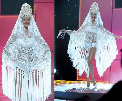 Miss Universe Russian folk dress
