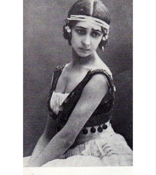 Olga Spessivtseva as Esmeralda