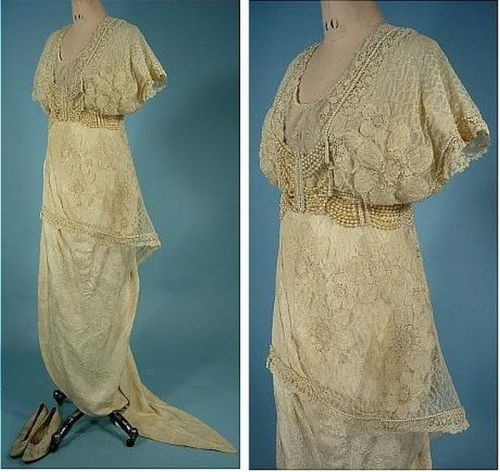 Wedding dress made of brocade, decorated with lace and pearls, September 1913