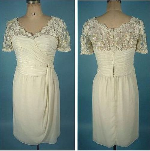 Wedding dress made of chiffon, adorned with lace and pearls, the 1960s