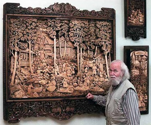 Woodcarving by Russian artist Kronid Gogolev