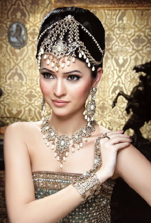 Bollywood stone imitation jewelry
