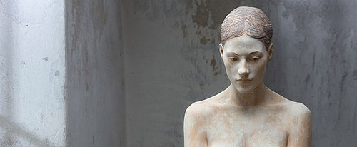 Hyperrealistic sculptures of wood by Bruno Walpoth