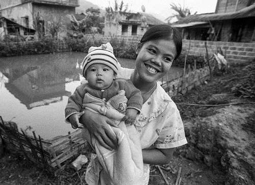 youngest mother on Earth Singapore mother