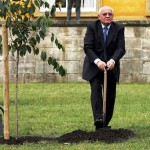 Mikhail Gorbachev plants a tree during a ceremony in Potsdam 03 October 2005, on the occasion of Germany's Reunification Day.