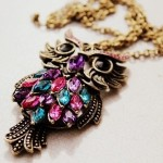 Costume jewelry - Owl pendant