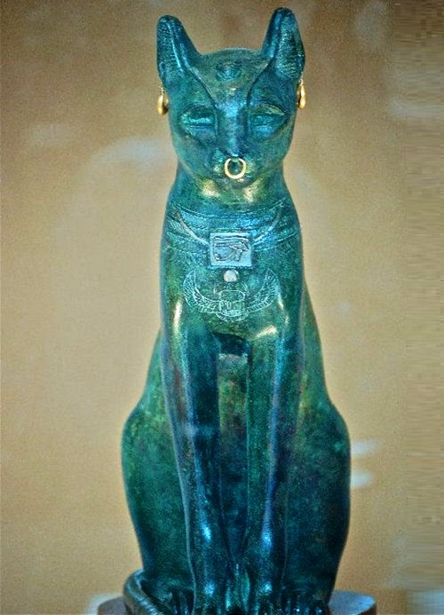 Ancient Egyptian statue of a cat