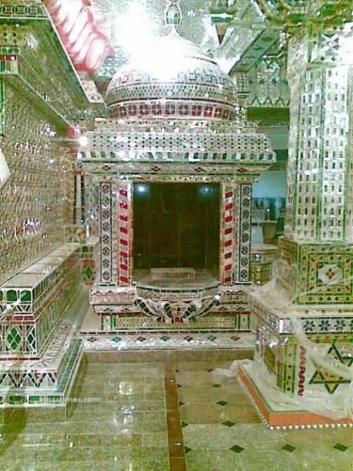 Arulmigu Sri Rajakaliamman - Beautiful Hindu Glass Temple in Tebrau, Johor Bahru, Malaysia