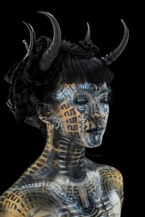 Body painting. Eye Level Studio by American artist Michael Rosner