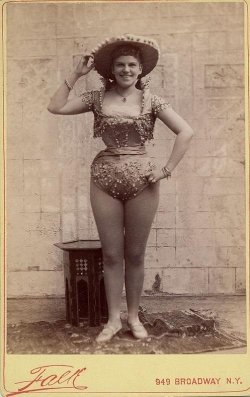 Exotic dancer Falk