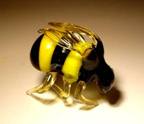 Glass insect sculptures by American artist Wesley Fleming