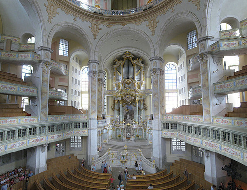 Interior with view of altar of the Frauenkirche