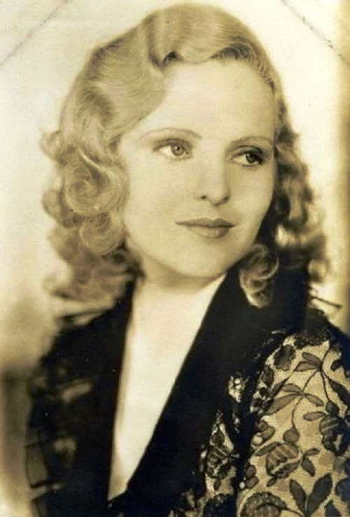 Charlie Chaplins women Joan Barry (1920)