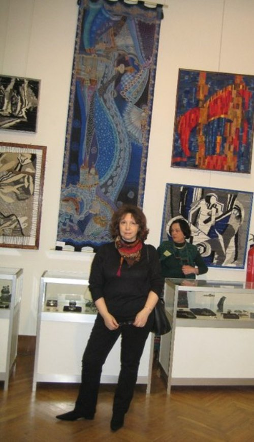 Lyubov Toshcheva at the exhibition 'Artists of Russia'