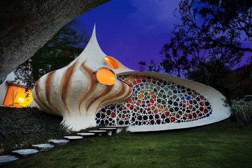Nautilus House - Architecture aims at Eternity