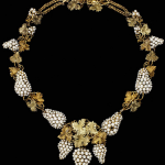 Necklace Natural pearls set in colored gold, probably England circa 1850 Photo – Victoria & Albert Museum