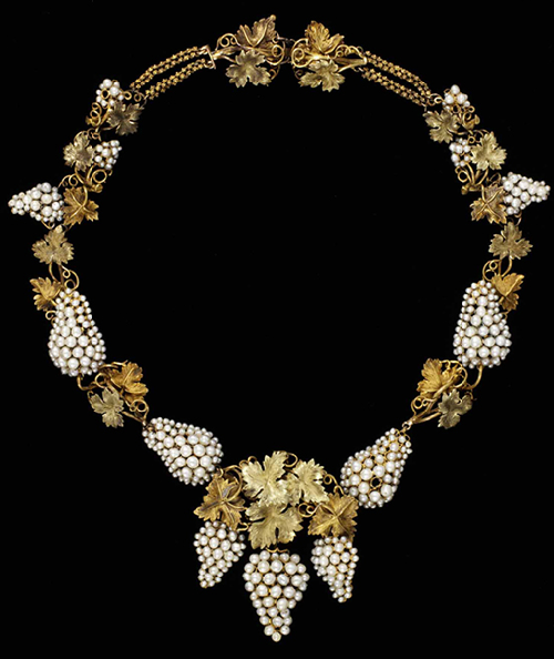 Necklace Natural pearls set in colored gold, probably England circa 1850 Photo - Victoria & Albert Museum