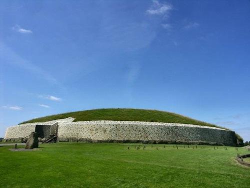 Newgrange older than Stonehenge