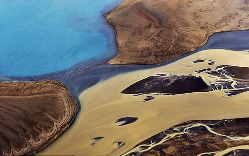 photographs of Iceland from the air by Italian Photographer Sandro Santioli