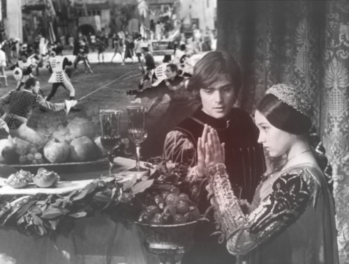romeo and juliet is not a love story essay