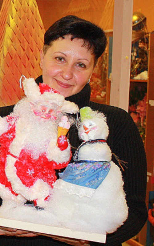 Russian doll master Elena Mikhailova