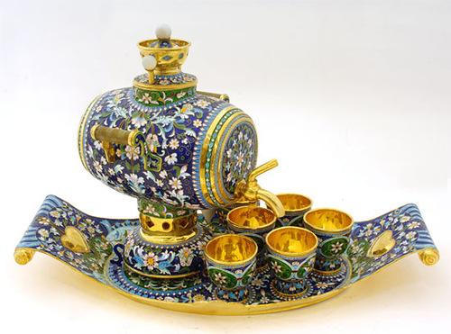 Самовар с чашками на подносе, конец XIX века