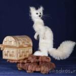 Siberian fox wood sculpture by Sergey Bobkov