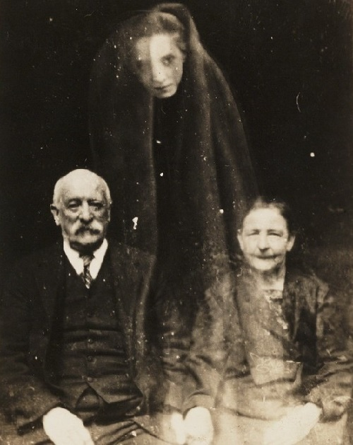 Spiritualist pictures contacts from beyond