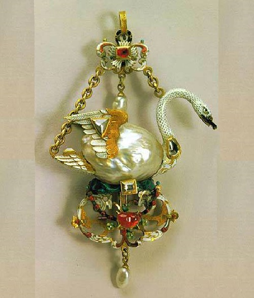 The Swan Pendant, most famous pearls