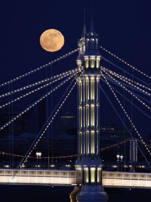 red moon london tonight - photo #4