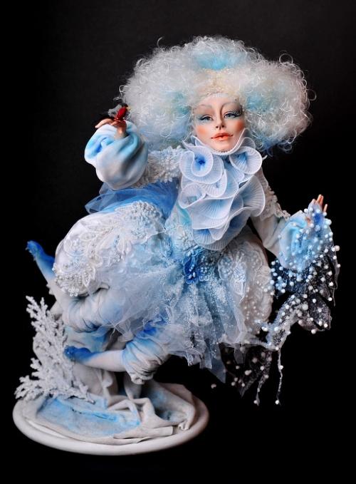 The world of dolls by Russian self-taught artist Elena Mikhailova
