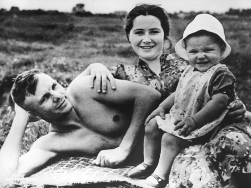 Yuri Gagarin with his wife and daughter