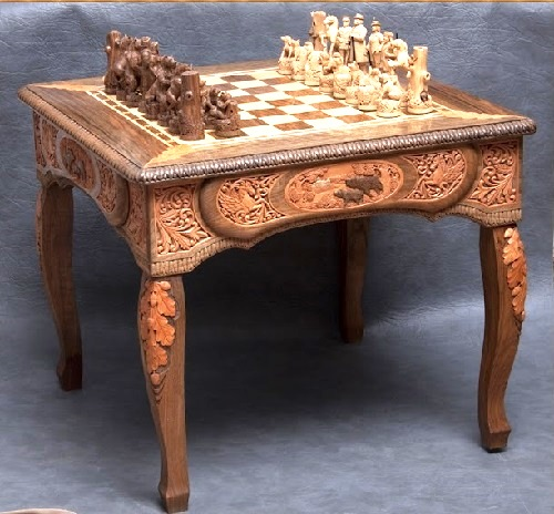 Wood carving by Russian self-taught artist Alexander Borzov