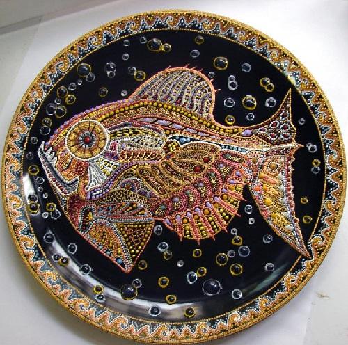 Decorative art by Aira; Decorative plates by Tatyana Zinkovskaya & Beauty will save Viola Beauty in everything