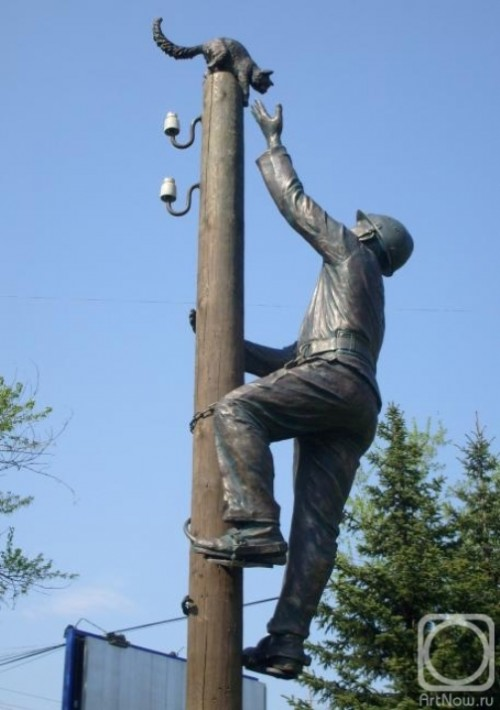 Electrician Who Saves a Cat — sculptures by Vadim Borovykh